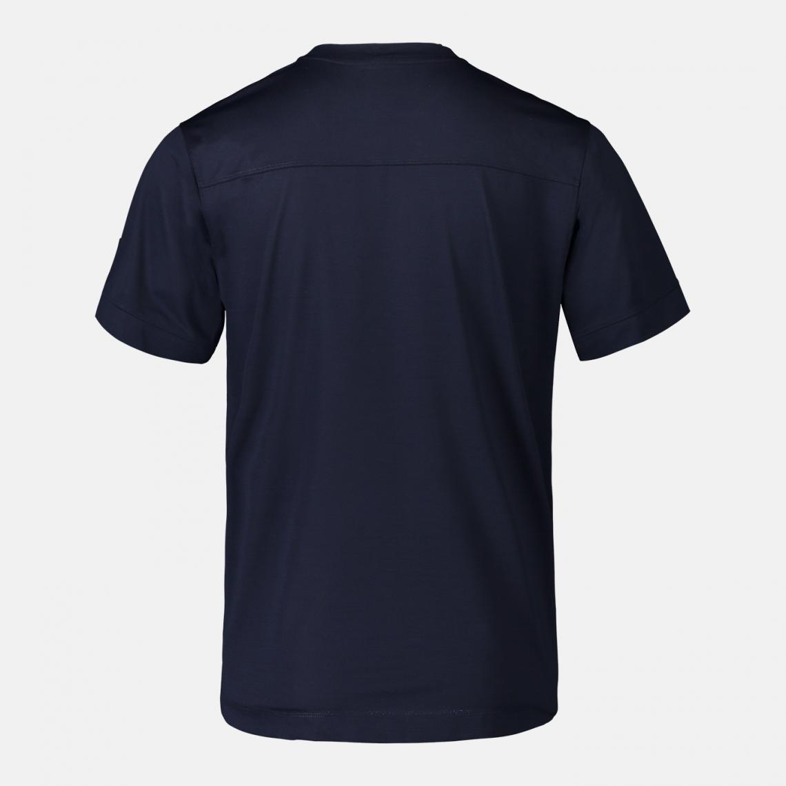 T-shirt med hög fuktransporterande förmåga